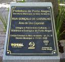 Placa alusiva ao Tombamento da Rua.