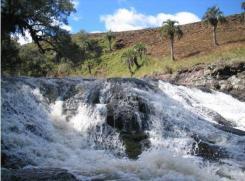 Cachoeira em afluente - Foto: Miriam Prochnow