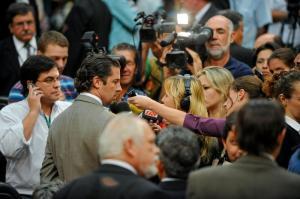 """Estaria o líder do governo explicando como sua bancada recusa o """"referendo"""" proposto pelo próprio governo? Foto: Tonico Alvares/CMPA"""