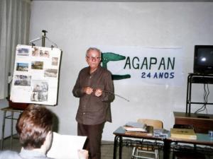 Palestrando nos 24 anos da AGAPAN, em 1995 - Foto: arquivo AGAPAN
