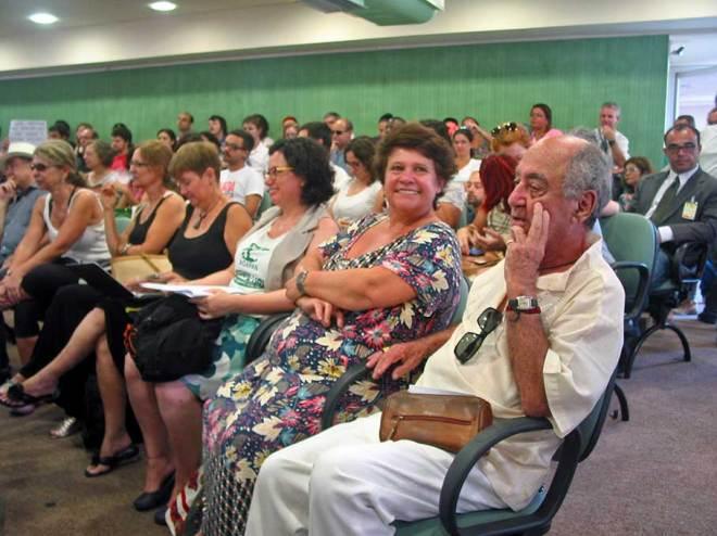 Ambientalistas e moradores reprovam a ação da prefeitura na reunião da COSMAM - Foto: Cesar Cardia/Amigos da Rua gonçalo de Carvalho