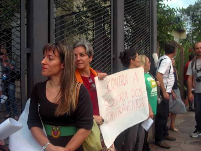 Ambientalistas e representantes de entidades de moradores levaram seu apoio à Polícia Federal - Foto: Cesar Cardia/Amigos da Rua Gonçalo de Carvalho