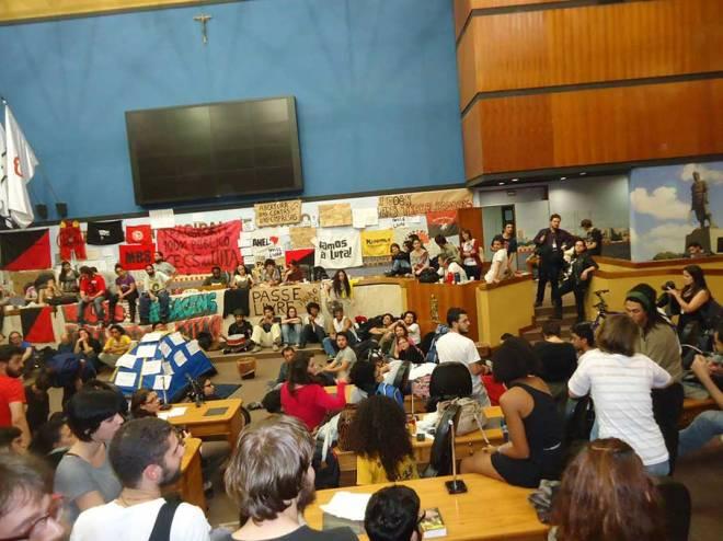 Câmara Municipal ocupada - Foto: Ester Maria Santurion