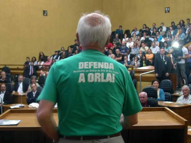 O delegado da RGP1 e integrante do Movimento em Defesa da Orla, Sylvio Nogueira, foi quem fez as críticas mais fortes, especialmente ao modo como Lerner foi escolhido pela prefeitura, sem concurso e recebendo mais de 2 milhões dec reais pelo criticado projeto.