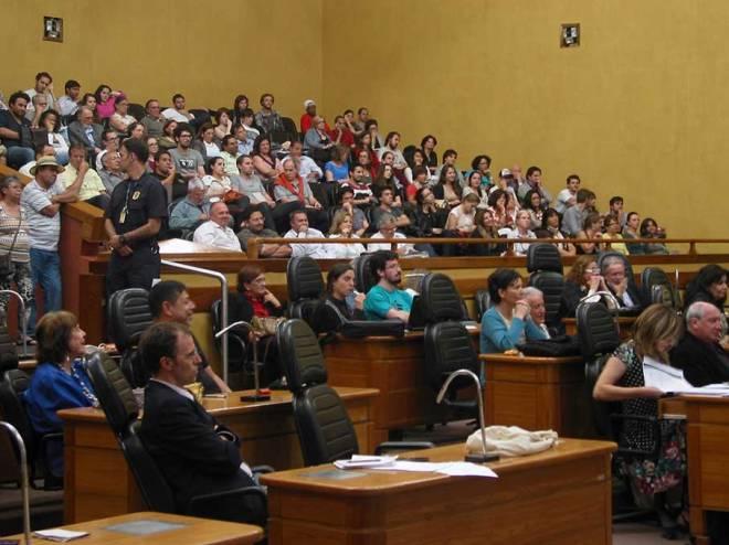 As galerias estavam quase lotadas. Infelizmente poucos vereadores acompanharam a Audiência.