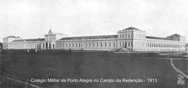 """O Colégio Militar de Porto Alegre, encravado no """"Campo da Redenção"""" (Parque Farroupilha) em 1913"""